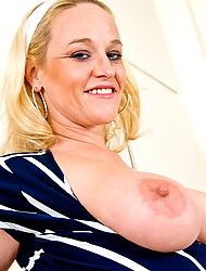 Anilos.com - Freshest mature women on the net featuring Anilos Dee Siren mature plump