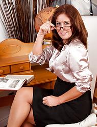 Anilos.com - Freshest mature women mainly the net featuring Anilos Carol Foxwell mature teacher